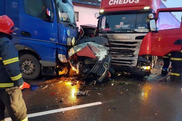 Nehoda pri žilinskom Hypertescu.