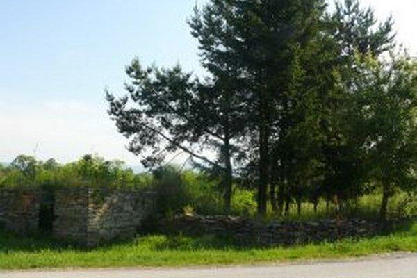 Židovský cintorín vo Zvolenskej Slatine.