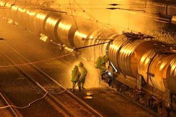 Nebezpečná cisterna na nákladnej stanici vo Zvolene.