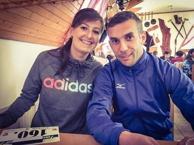 S kamarátkou Mirkou, ktorá je Gabovou najväčšou oporou.