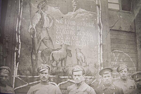 Výstava s názvom Vznik česko-slovenských légií vo Francúzskom inštitúte v Bratislave pri príležitosti 100. výročia vzniku Československa.