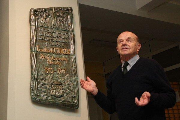 Autor pamätnej tabule Zbigniew Nišponský