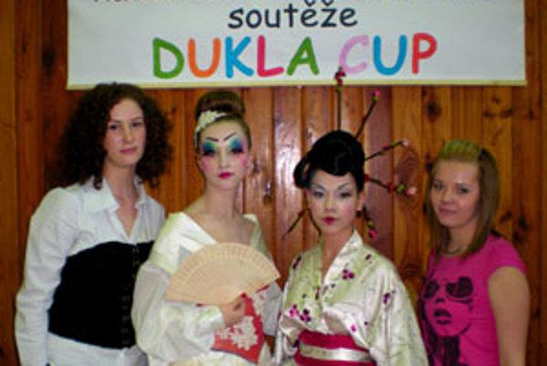 Saša Boľošová a Mária Hudecová získali za svoje gejše na súťaži v Čechách prvé miesta a odniesli si aj cenu divákov.