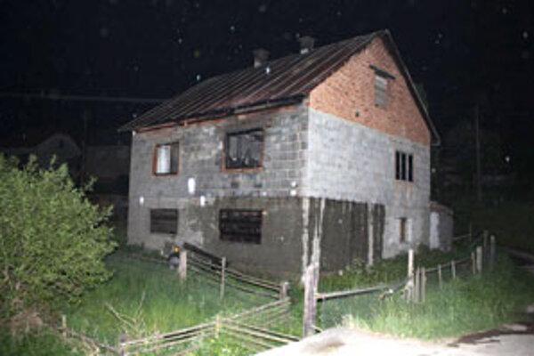 Dom sa ocitol v plameňoch, v ktorých zhorel aj jeho majiteľ.