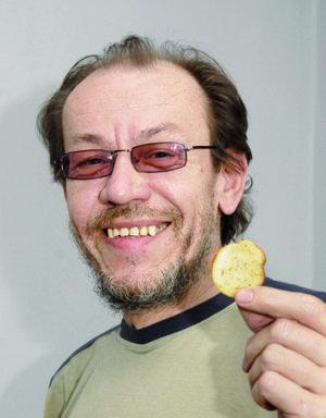 Peter Munka, jazykový korektor.