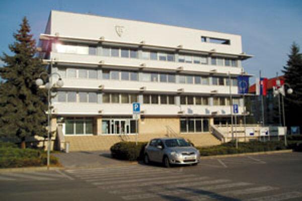 Zvolenský mestský úrad prehral spor so zamestnancami.