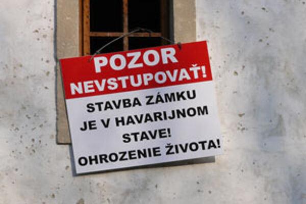Vígľašský zámok nie je pre návštevníkov bezpečný.