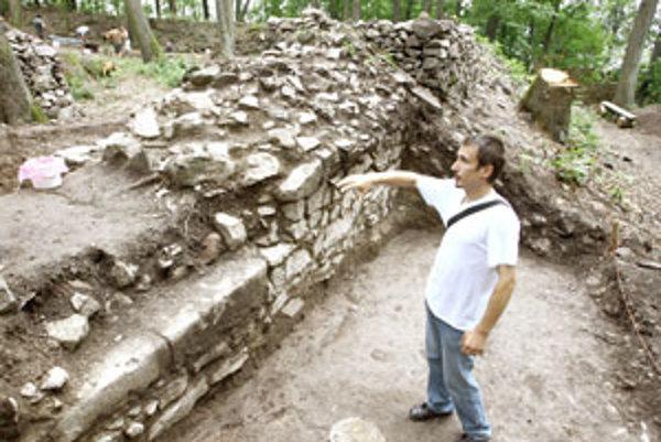Vedúci archeologického výskumu Ján Beljak.
