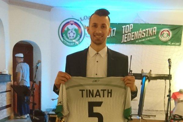 Futbalista Plavnice Kristián Tináth.