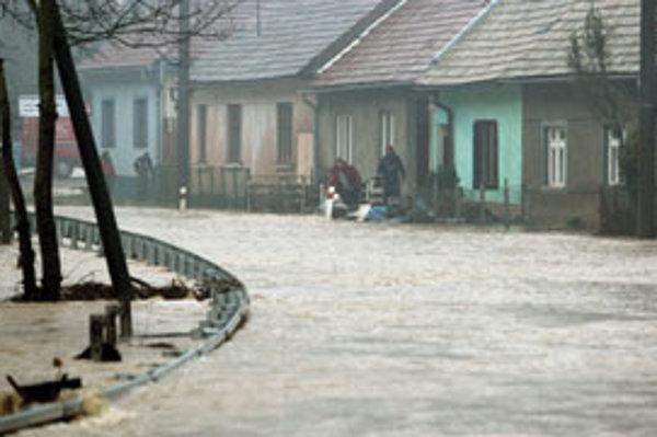 Potok Neresnica spôsobil v minulom roku veľké záplavy.