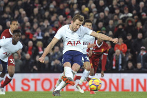 Harry Kane zachránil bod pre Tottenham gólom z pokutového kopu.