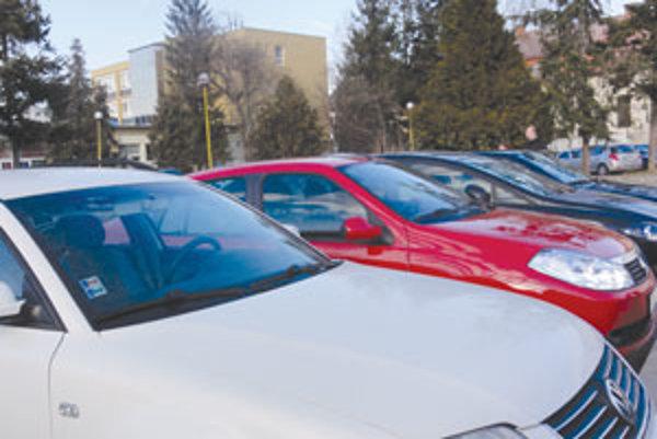 Hodina parkovania v centre mesta bude stáť euro.