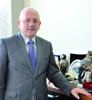 REKTOR: Dr.h.c. prof. Ing. PETER BIELIK, PhD.