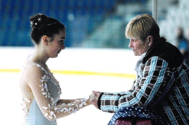 Bibiána Snopková (KKM Nitra) s trénerkou Lianou Drahovou.