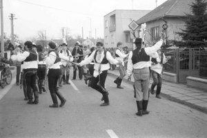 Tanec šablárov v Borskom Mikuláši.