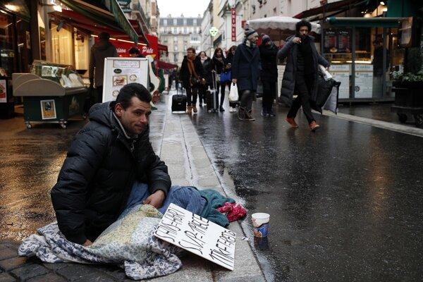 Mrazy vo Francúzsku ohrozujú najmä bezdomovcov.