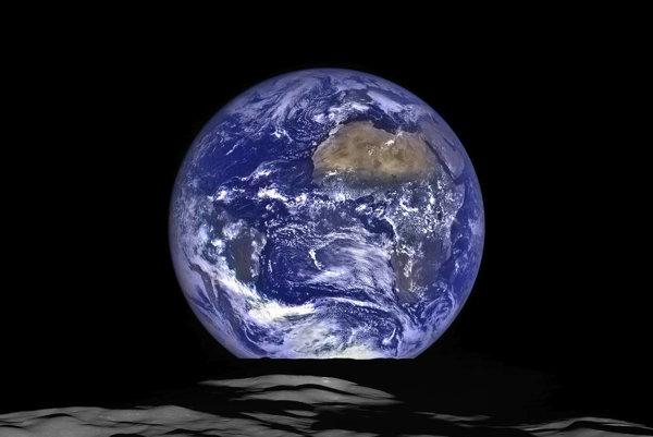 """Nový """"východ"""" Zeme."""