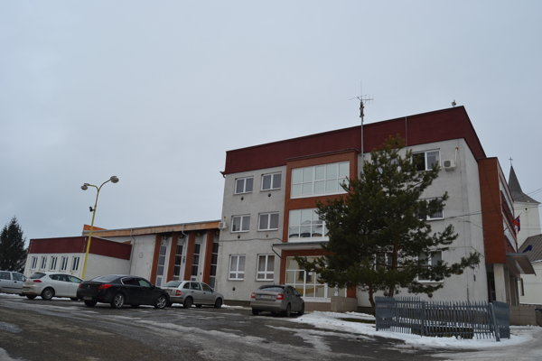 Obec Jarovnice. Na snímke obecný úrad.