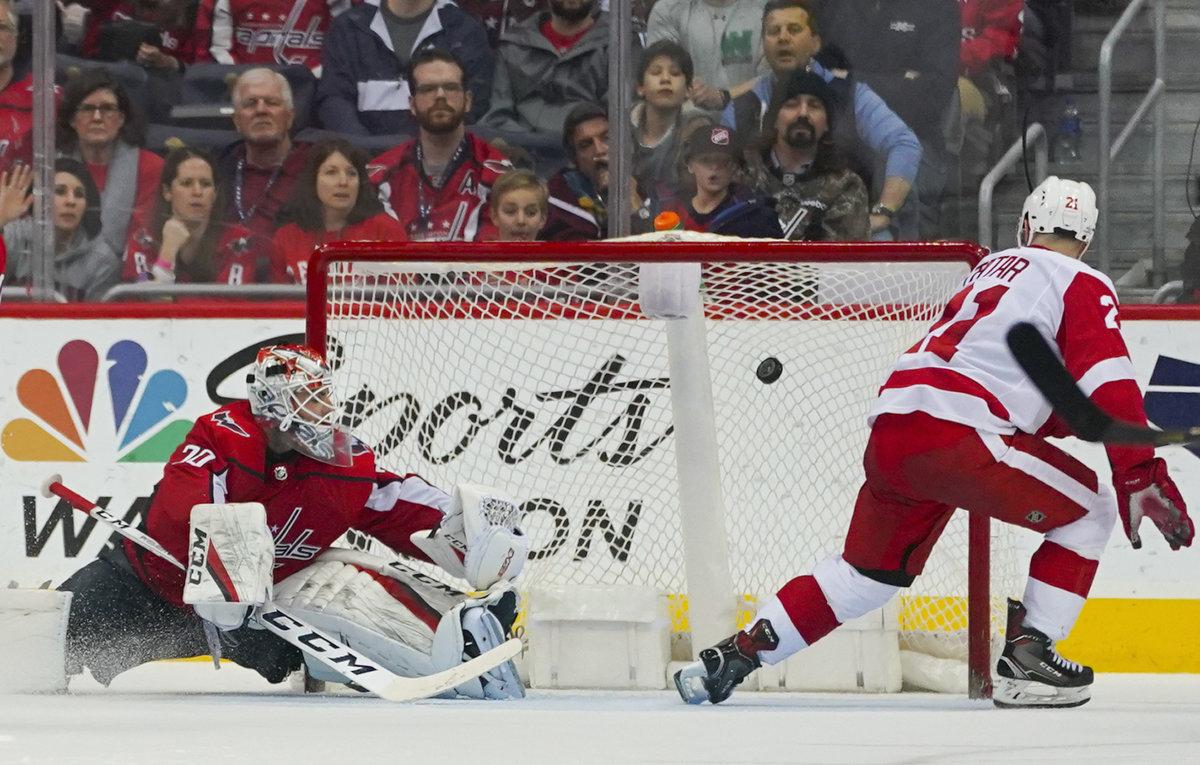 9ad486039e937 Tomáš Tatar strieľa jeden zo svojich gólov do siete Washingtonu.