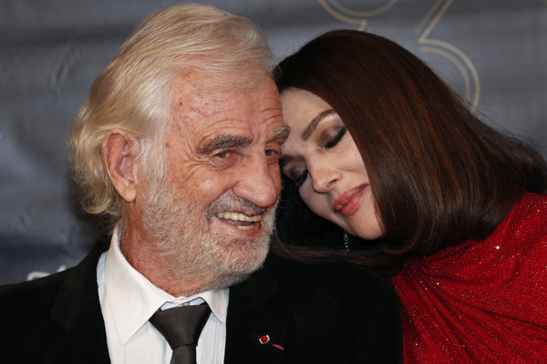 Belmondo s Monicou Bellucci na odovzdávaní Prix Lumieres.