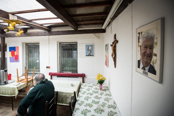 Vyštudovaný inžinier Roman býval v ubytovni Resoty Antona Srholca.