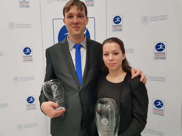 Dominika s jej trénerom Ľubomírom Striežovským.