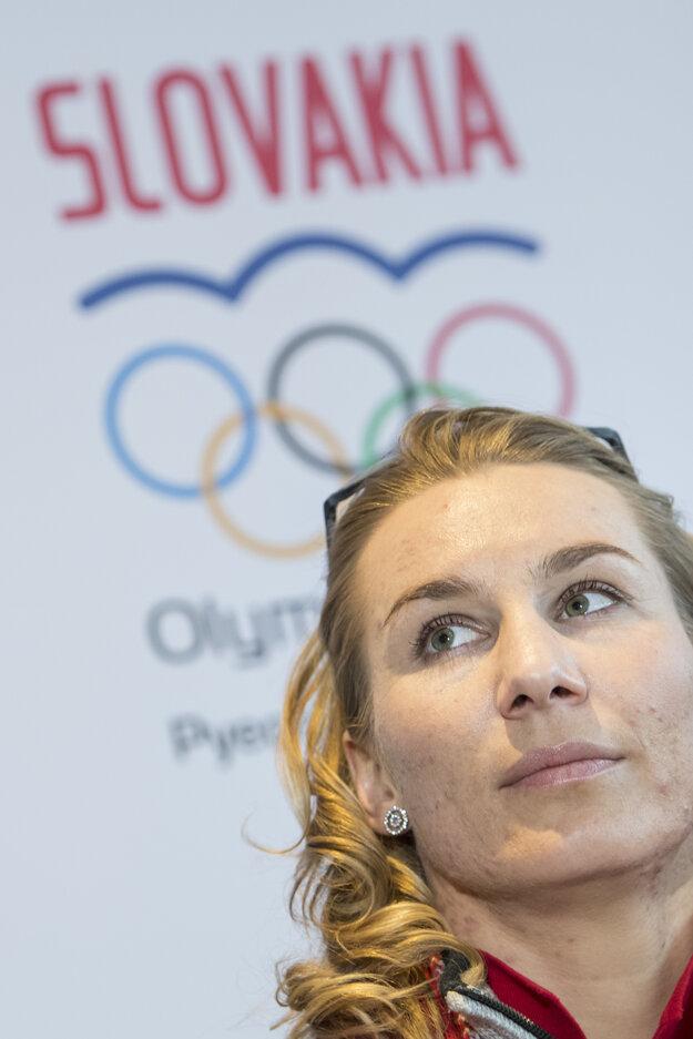 Anastasia Kuzminová na tlačovej konferencii.