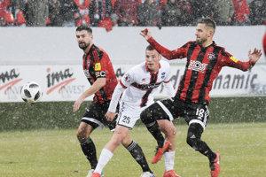 Druhý polčas na ViOne sa hral na snehu. Jediný gól domácich strelil z penalty nový muž Ondřej Šašinka.
