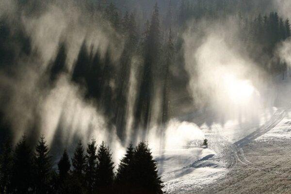 Väčšina stredísk zasnežuje vďaka mrazom naplno.