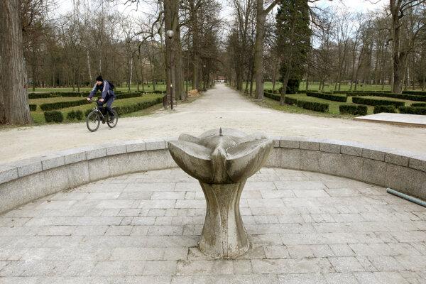 Virtuálne sa možno prejsť aj historickým parkom.