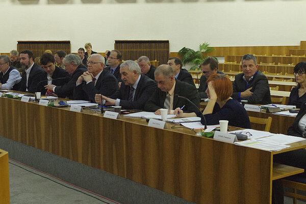 Zo zasadnutia zastupiteľstva, kde sa rokovalo o rozpočte.