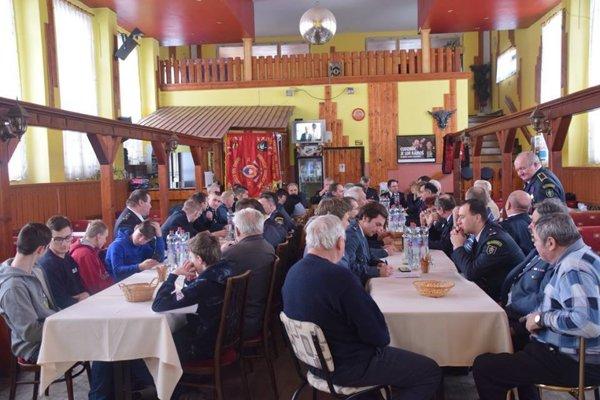 Z výročnej schôdze dobrovoľných hasičov zKrásna nad Kysucou.
