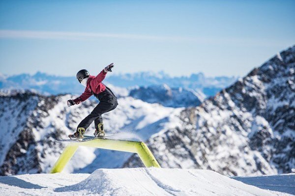 Tomáš Gerát na rakúskom ľadovci Stubai.