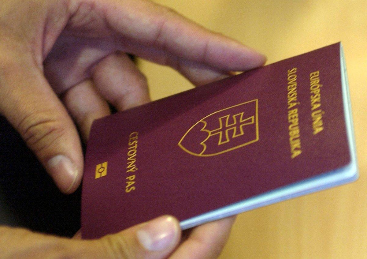 a5e0886f3 Ako občania členského štátu Európskej únie do mnohých krajín cestovný pas  nepotrebujeme.