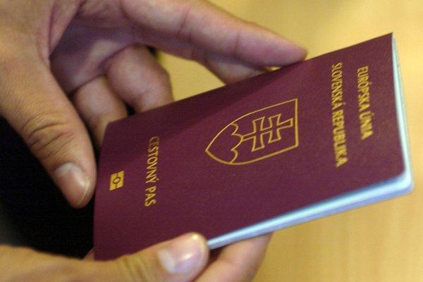 Ako občania členského štátu Európskej únie do mnohých krajín cestovný pas nepotrebujeme.
