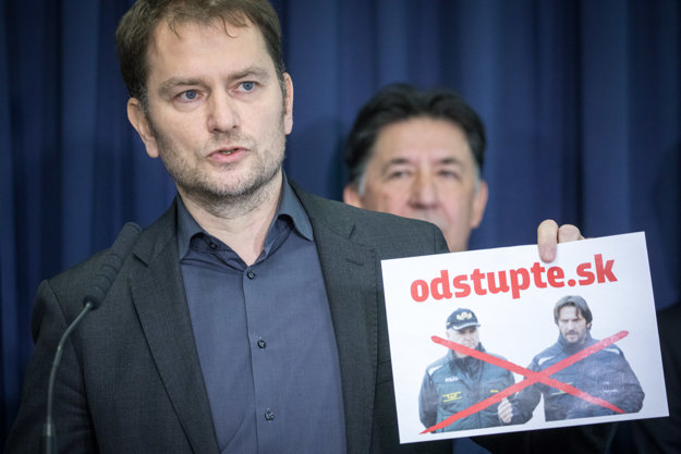 Líder hnutia OĽaNO Igor Matovič a člen strany OĽaNO Ján Budaj počas spoločnej tlačovky.