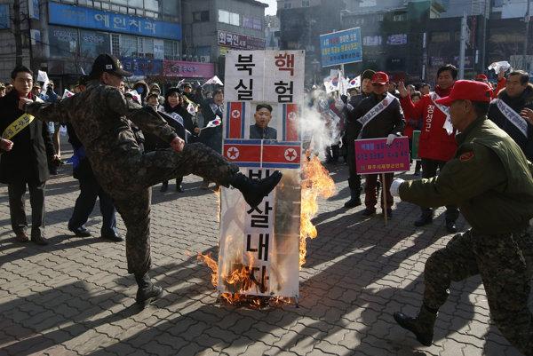 Severná Kórea vyvoláva veľké protesty najmä v južnej časti polostrova.