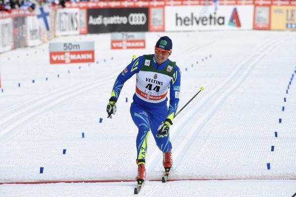 Kazach Alexej Poltoranin vyhral preteky Svetového pohára bežcov na lyžiach na 15 km klasicky.