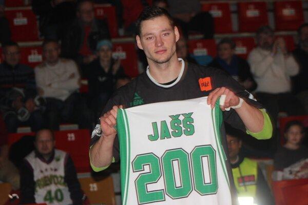Marek Jašš so špeciálnym dresom.