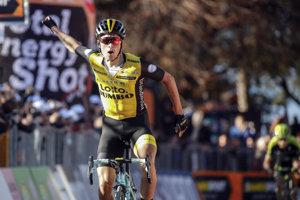 Primož Roglič sa raduje z víťazstva v tretej etape.