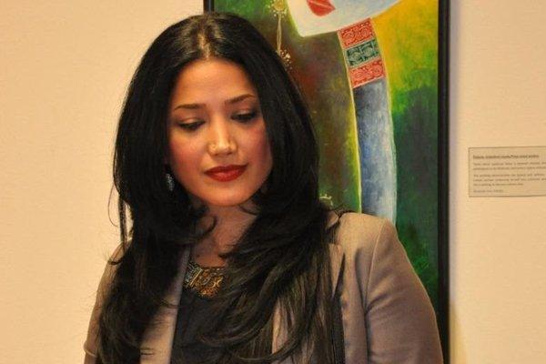 Reyhaneh Ghavipanjeh na vernisáži vo Zvolene.