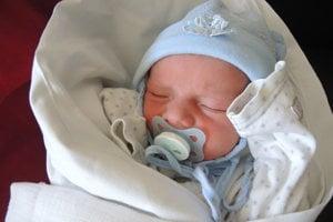 Tomáš Haliak (4060 g, 53 cm) sa narodil 28. februára Anne a Petrovi z Nemšovej. Doma na neho čaká 5-ročný Filipko.