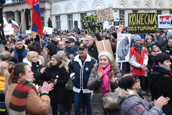Vlna protestov sa má opätovne prehnať Slovenskom aj tento piatok.