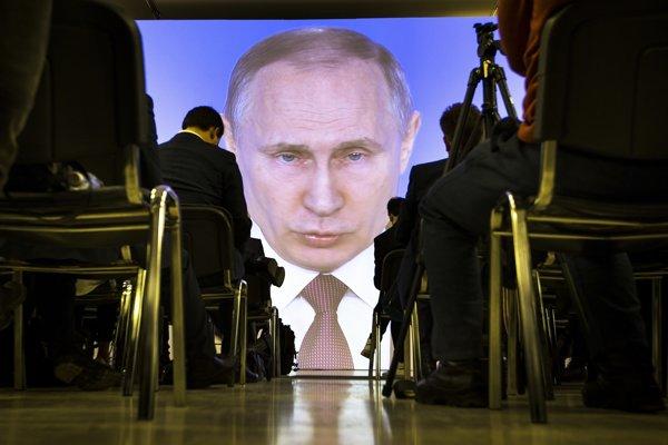 Vladmir Putin dohliada na Rusko.