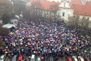 Protestná demonštrácia na bratislavskom SNP.