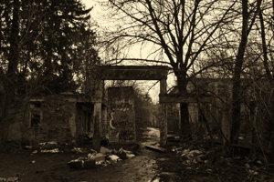Opustená psychiatrická nemocnica Philipa Pinela v Pezinku.