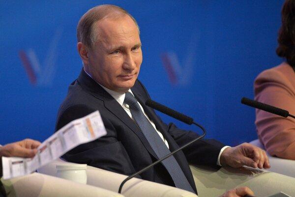 Vladimír Putin sa zúčastnil stretnutia so študentmi v Stavropole.