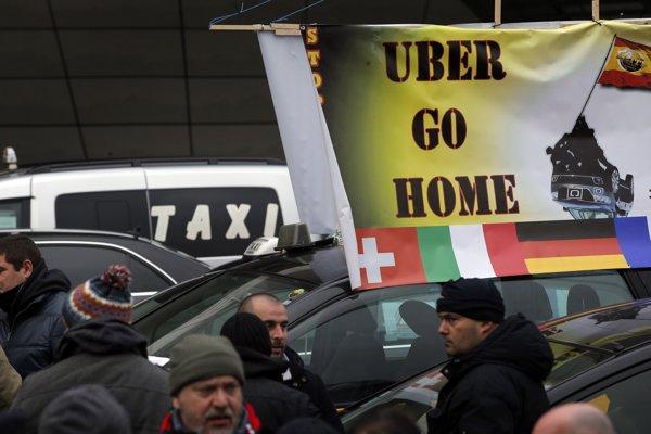Vo Francúzsku štrajkujú taxikári.