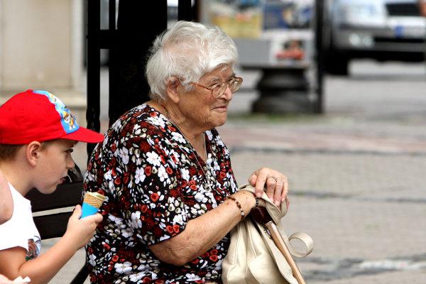 Spoliehať sa v dôchodku len na štát, sa nevyplatí. Treba naň myslieť už dnes.