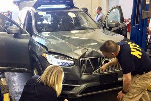 Volvo XC90 Uberu po kolízii s chodkyňou.